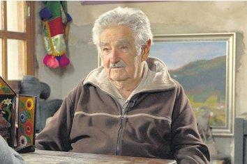 El ex presidente uruguayo José Mujica renunció al Senado