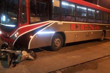 Colectivo atropelló a motociclista en calle Urquiza de Paraná