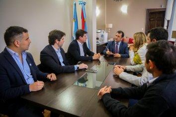 """Técnicos de Alberto Fernández sostienen que """"para encender la economía, es necesaria una mirada federal"""""""