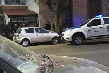 Joven conductora colisionó contra un árbol de la Costanera Paranaense