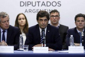 Lacunza va a Washington a negociar el desembolso del Fondo