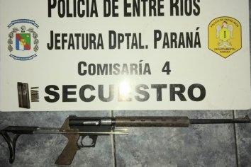 Allanamiento en dos viviendas de Paraná