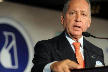 El vicepresidente de la UIA pide que no se paguen cargas sociales y despedir sin indemnizar