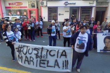 Familiares de Mariela Costen marcharon en repudio al juez Mario Figueroa