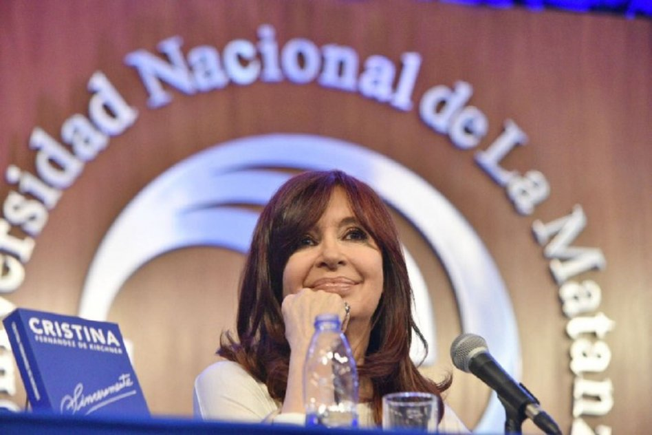 """Cristina Kirchner: """"Hay que poner un punto final al endeudamiento"""""""