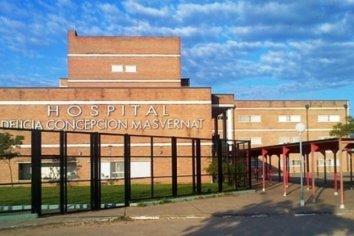 Se hacía pasar por personal de seguridad del hospital y exigía que le entreguen los celulares