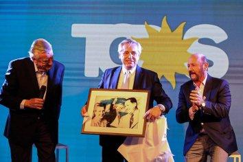 """Alberto Fernández bregó por un peronismo """"en movimiento"""""""
