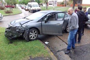 Tremenda colisión  en esquina de Paraná