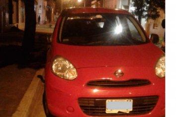Un joven fue detenido por intentar robar un auto