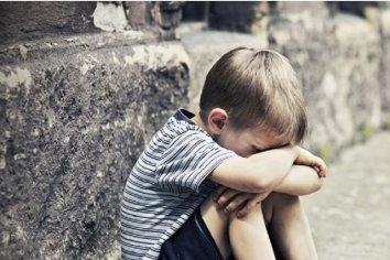 Un niño de 4 años fue hallado solo en la vía publica  por un colectivero