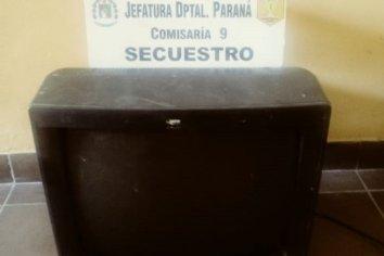 Allanaron una vivienda y secuestraron un televisor