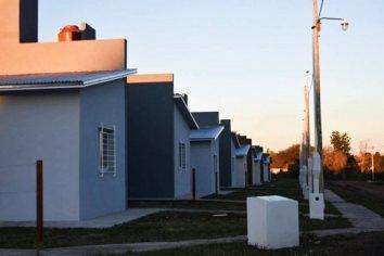 La provincia adjudicó 77 viviendas para siete localidades entrerrianas