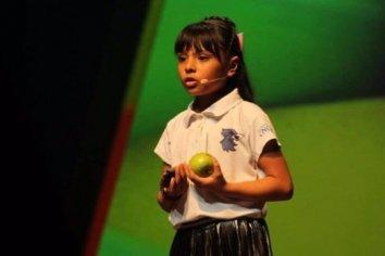 Adhara Pérez, la niña genio de 8 años que cursa dos carreras universitarias y es más inteligente que Einstein