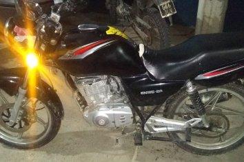 Circulaba en una moto con pedido de secuestro