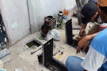 Vecinos de Barrio 'Las Flores' reclaman que la Municipalidad está colocando medidores de agua