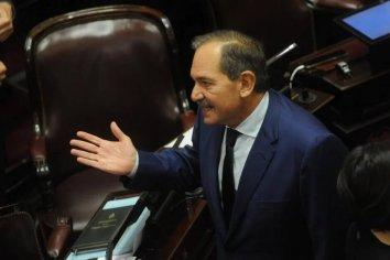 Una sobrina del senador José Alperovich lo denunció por violación