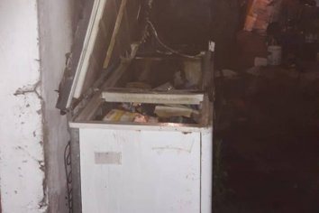 Incendio provocó la pérdida de un horno y un freezer