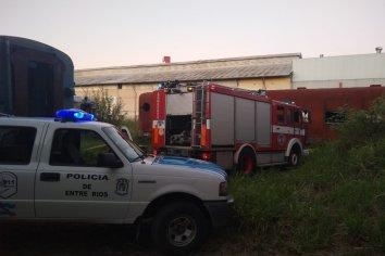 Incendio en uno de los trenes ubicados en el ex ferrocarril