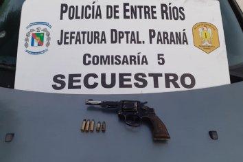 Inspeccionaron un vehículo y hallaron un arma