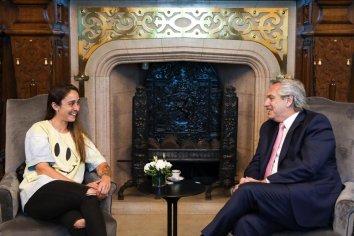 El presidente Alberto Fernández se reunió con la futbolista Macarena Sánchez