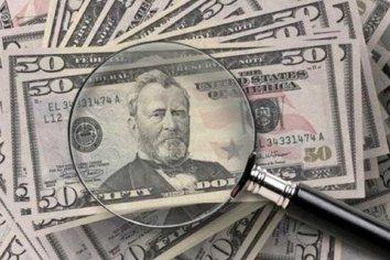 """Cuál es el nuevo """"impuesto"""" al dólar blue que ahora imponen los cambistas"""