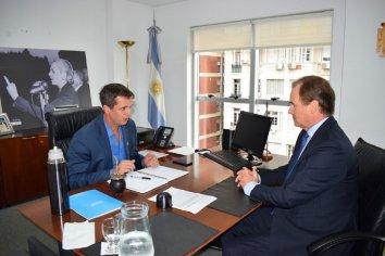 "Bordet caratuló de ""productiva"" la reunión el titular ENOHSA, Enrique Cresto"