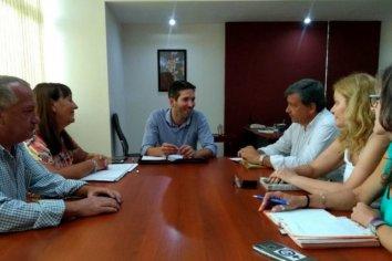 Agmer planteó sus demandas en un encuentro con el Presidente del CGE