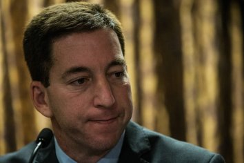 La Fiscalía denuncia a Greenwald por piratear en Brasil teléfonos de autoridades