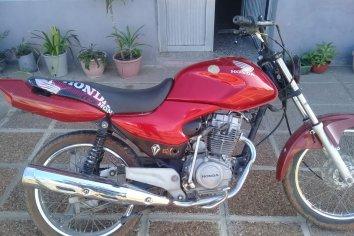 Secuestraron una motocicleta con patente falsa