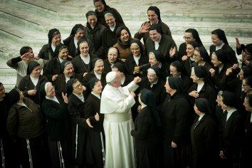 El Vaticano levanta el tabú sobre los abusos sexuales y laborales contra las monjas