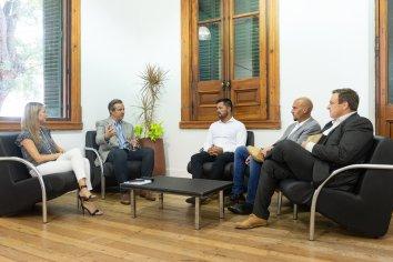 Bahl convocó a los intendentes del Área Metropolitana para trabajar en conjunto