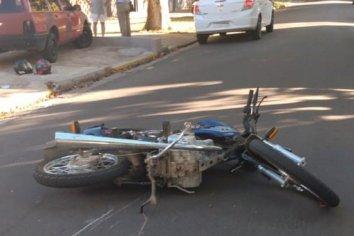Accidente de transito entre una moto y un automóvil