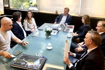 """Mauricio Macri se reunió con la mesa chica del PRO en un edificio llamado """"Vacaciones"""""""