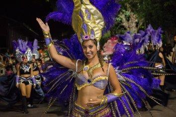 Mucho color y alegría en la segunda noche de Carnaval