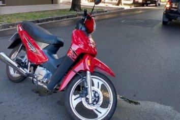 Una joven sufrió una accidente de transito en calle Salta