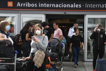 El Gobierno habilitó aeropuertos internacionales para la llegada de la prensa internacional