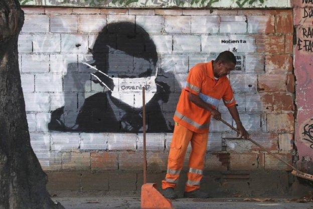 """Desafiante: Bolsonaro lanza la campaña """"Brasil no puede parar"""" para sabotear la cuarentena"""