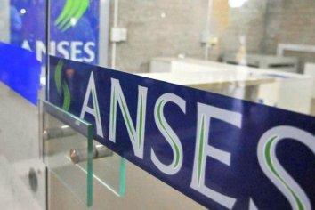 Anses abonará el 3 de abril la ayuda de 10 mil pesos a beneficiarios de AUH y AUE