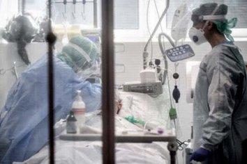 Llegan a 24 las víctimas fatales y a 966 los casos positivos, informó el Ministerio de Salud