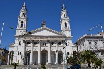 Los restos de Maulión serán enterrados en la Catedral de Paraná
