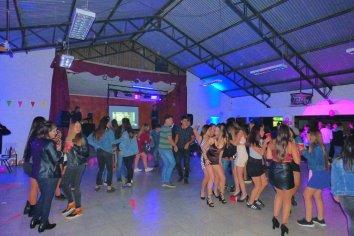 """Desalojaron una """"fiesta privada bailable"""" en la que había cuarenta personas"""