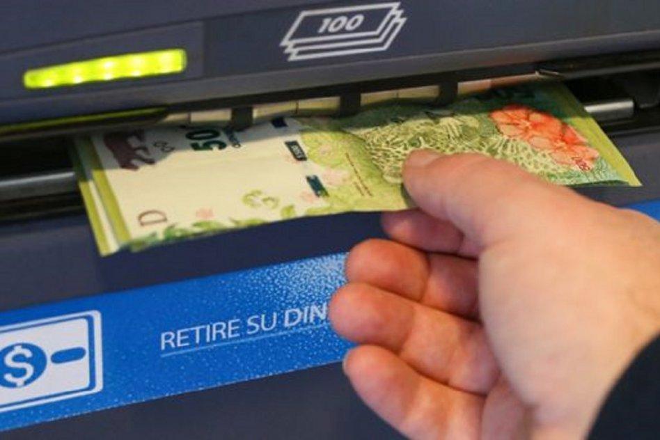 dinero cajero cobro