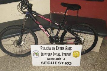 Forzaron el portón de una vivienda y robaron una bicicleta