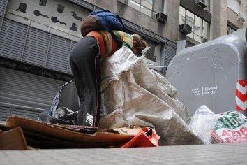 """La UCA advierte sobre una """"sociedad más pobre"""" por la cuarentena decretada"""