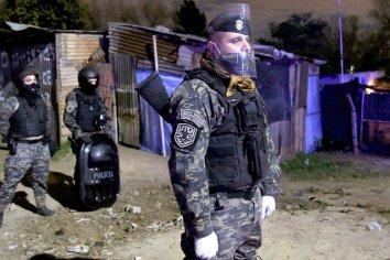 Tras un fuerte brote de contagios, aíslan una villa del Gran Buenos Aires