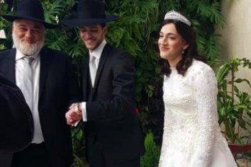 Fuerte repudio de la ortodoxia al casamiento clandestino que violó la cuarentena
