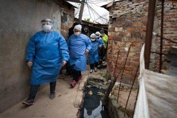 Confirmaron otros 53 casos de coronavirus en la Villa Azul