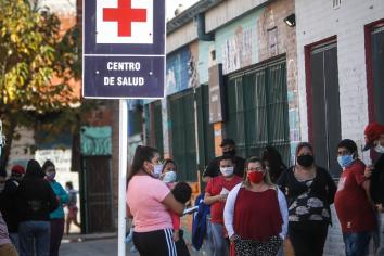 Nuevamente se elevaron los casos de COVID 19 en el país, hubo 706 contagios y 10 muertes en las últimas 24 horas