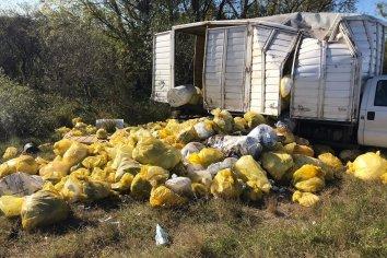 El camión que volcó en Ceibas estaba autorizado a trasladar residuos peligrosos con destino a la empresa operadora