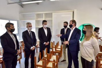 El gobernador recorrió la obra culminada del jardín de infantes de Colonia Avellaneda